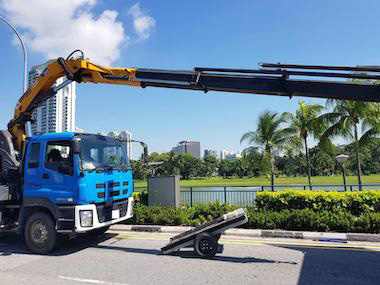 Crane-Lorry-And-Unstuffing